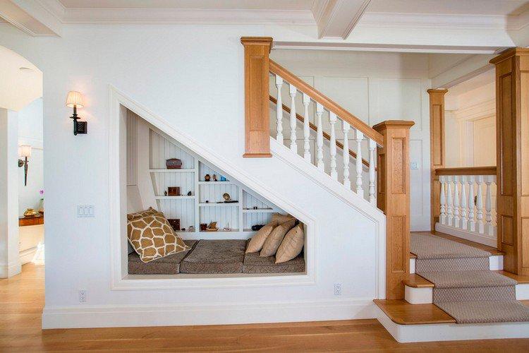 amenagement rangement sous l'escalier