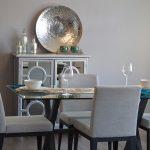 Trois façons de transformer votre salon en une salle de dîner parfaite